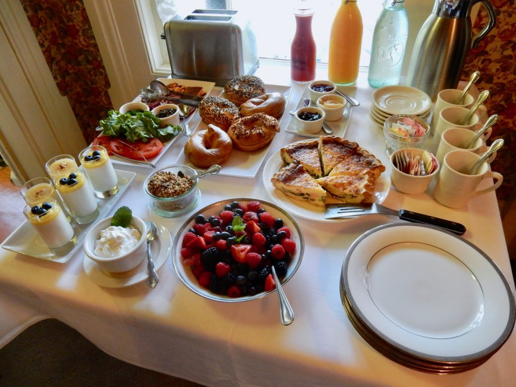 Pleasant Valley Inn Breakfast
