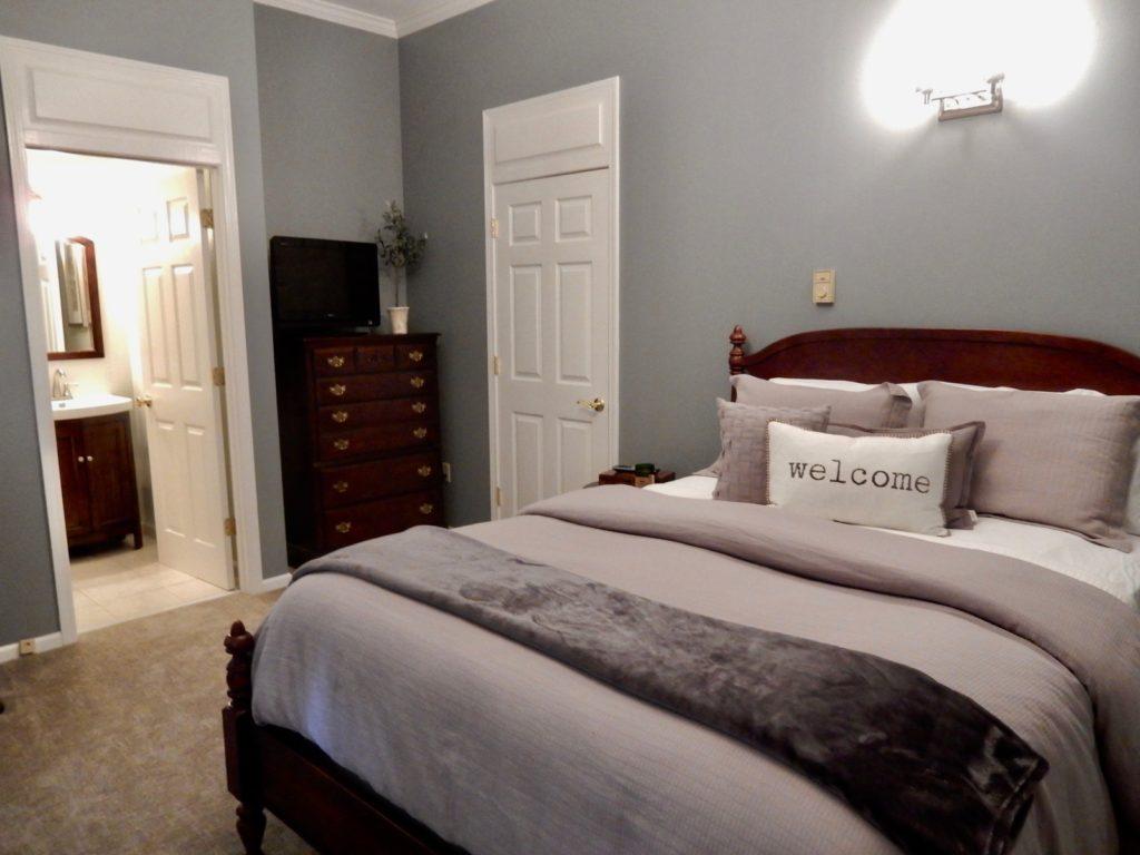 Guest Room Pleasant Valley Inn Hammondsport NY