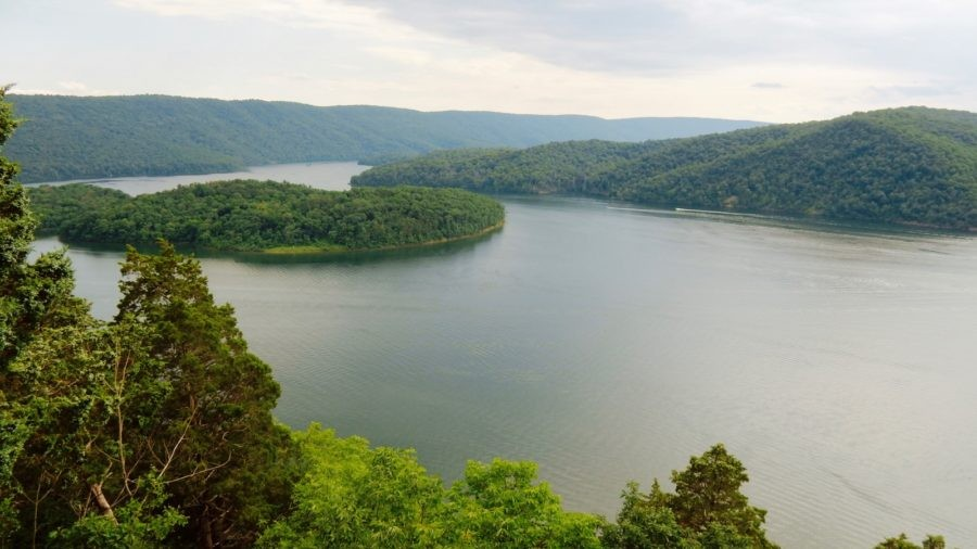 Raystown Lake Region PA: Historic Huntingdon and Watersports Galore