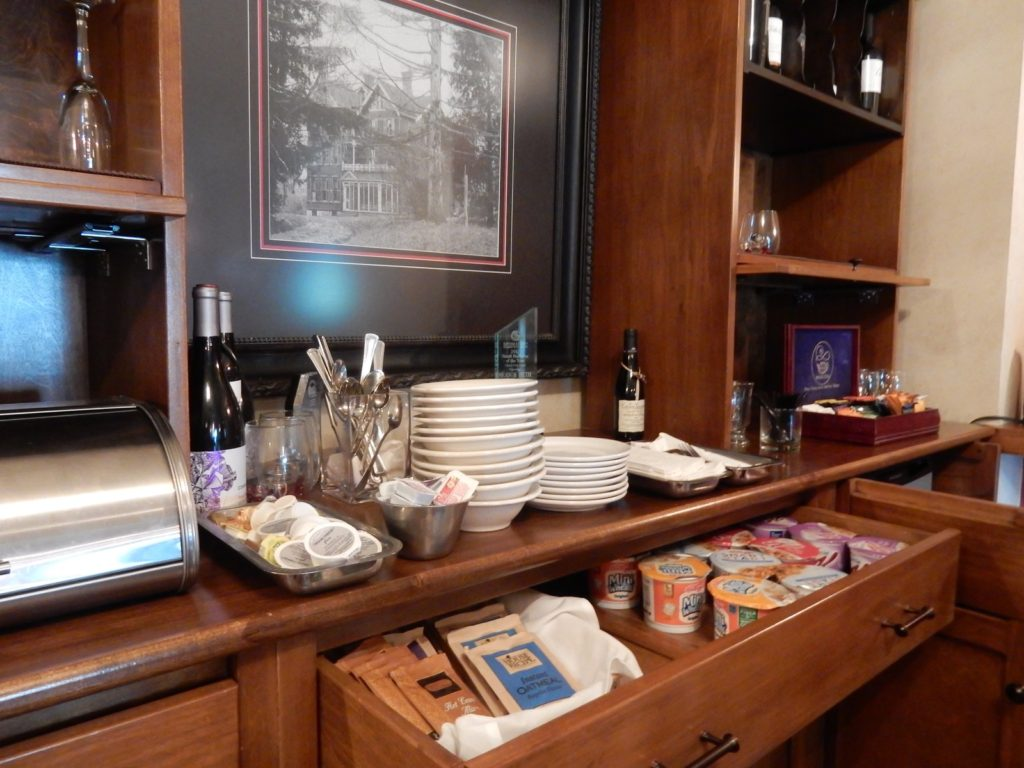Springside Inn Continental Breakfast NY
