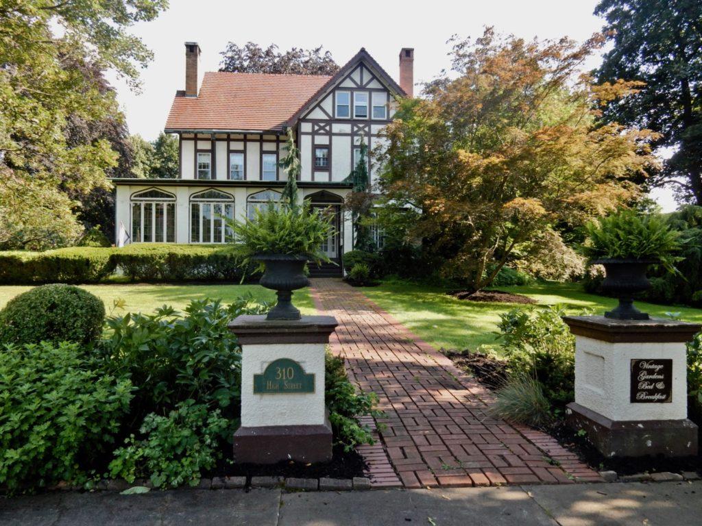 Vintage Gardens BnB Newark NY