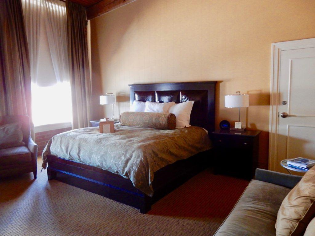 Guest Room Craddock Terry Hotel, Lynchburg VA