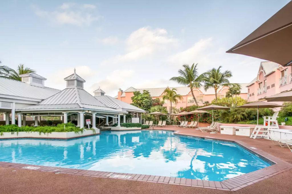 Comfort Suites Paradise Island Pool
