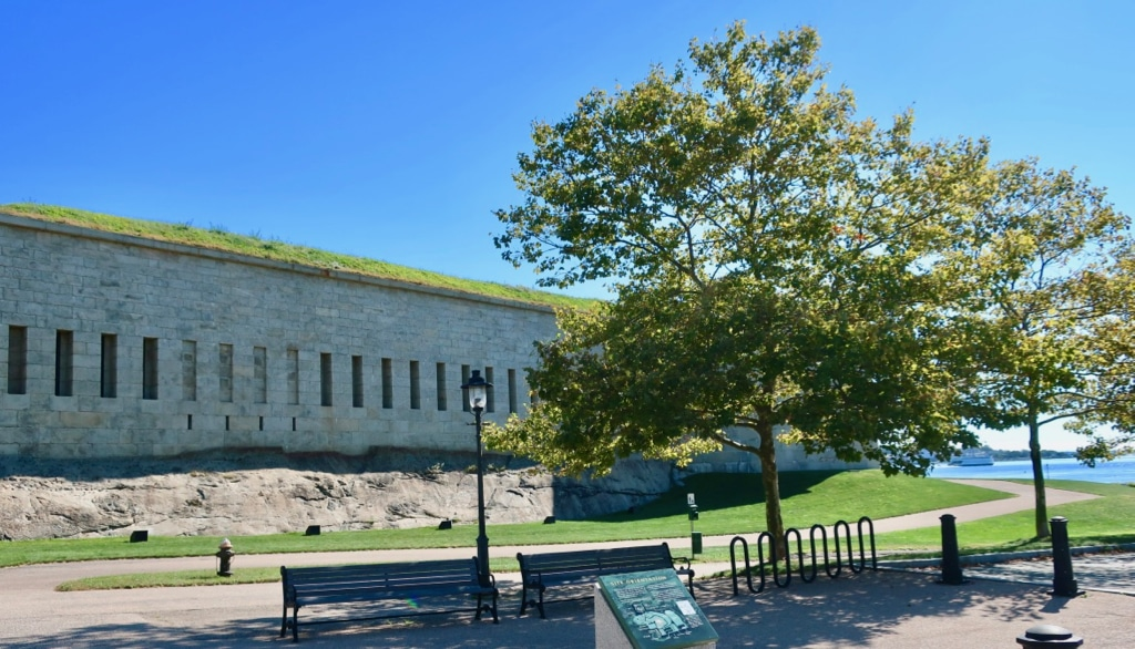 Fort Trumbull State Park with New London ferry