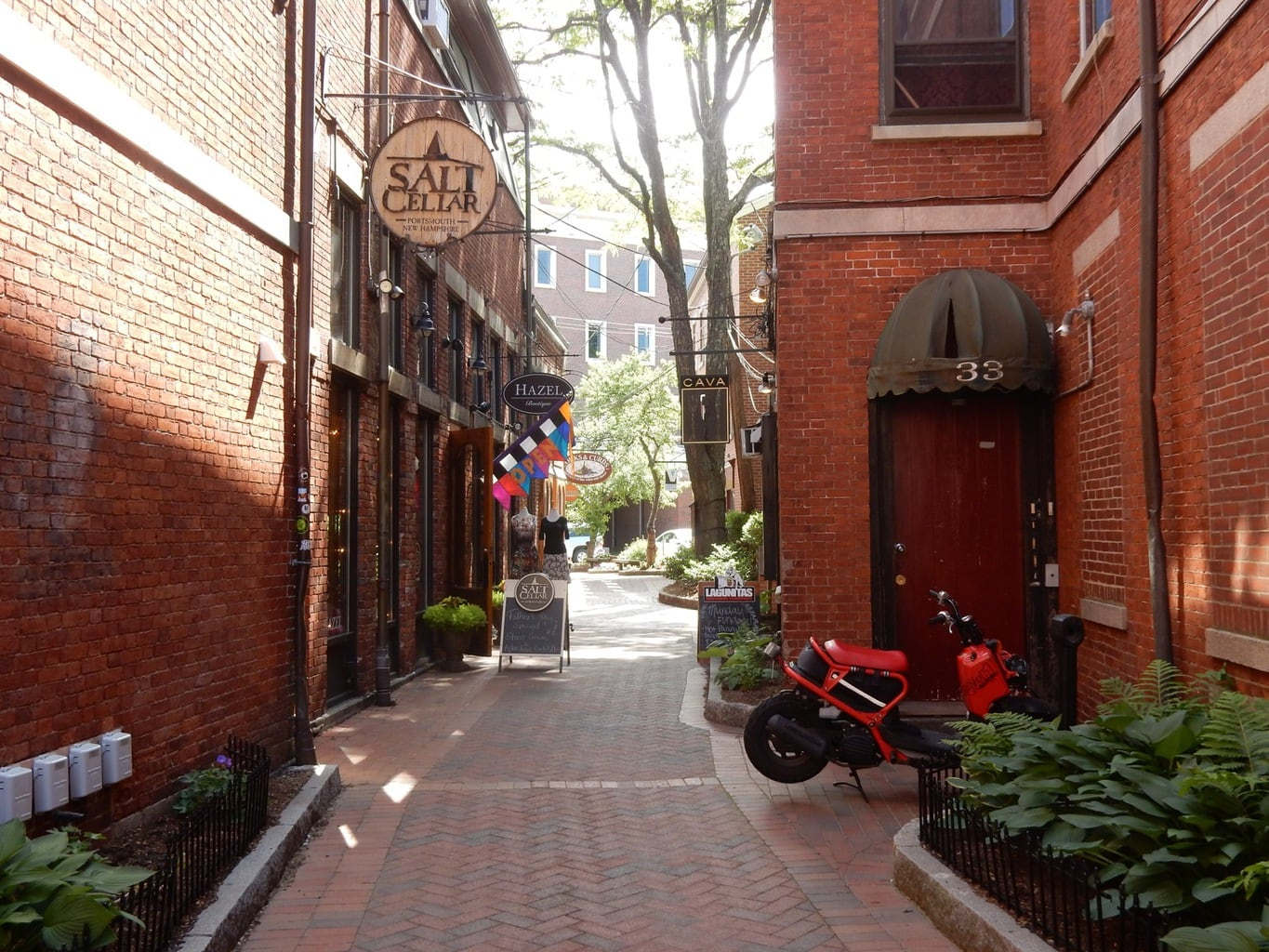 Shopping alley, Portsmouth NH