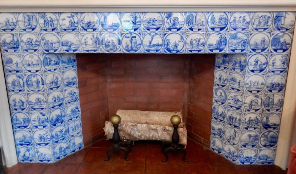 Bible-Themed Delft Tiles, Mayflower Society House Plymouth M