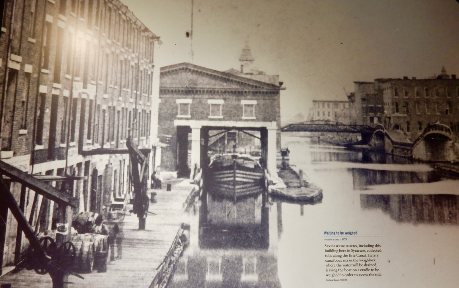 Photo of canal boat being weighed in Syracuse NY