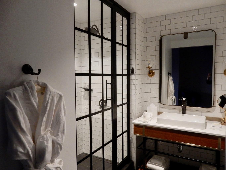 MGM Springfield Guest Room Bath