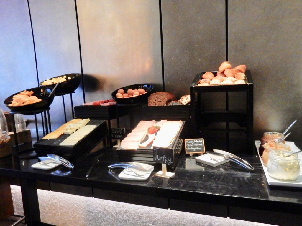 Complimentary Breakfast Hotel 48LEX NY NY