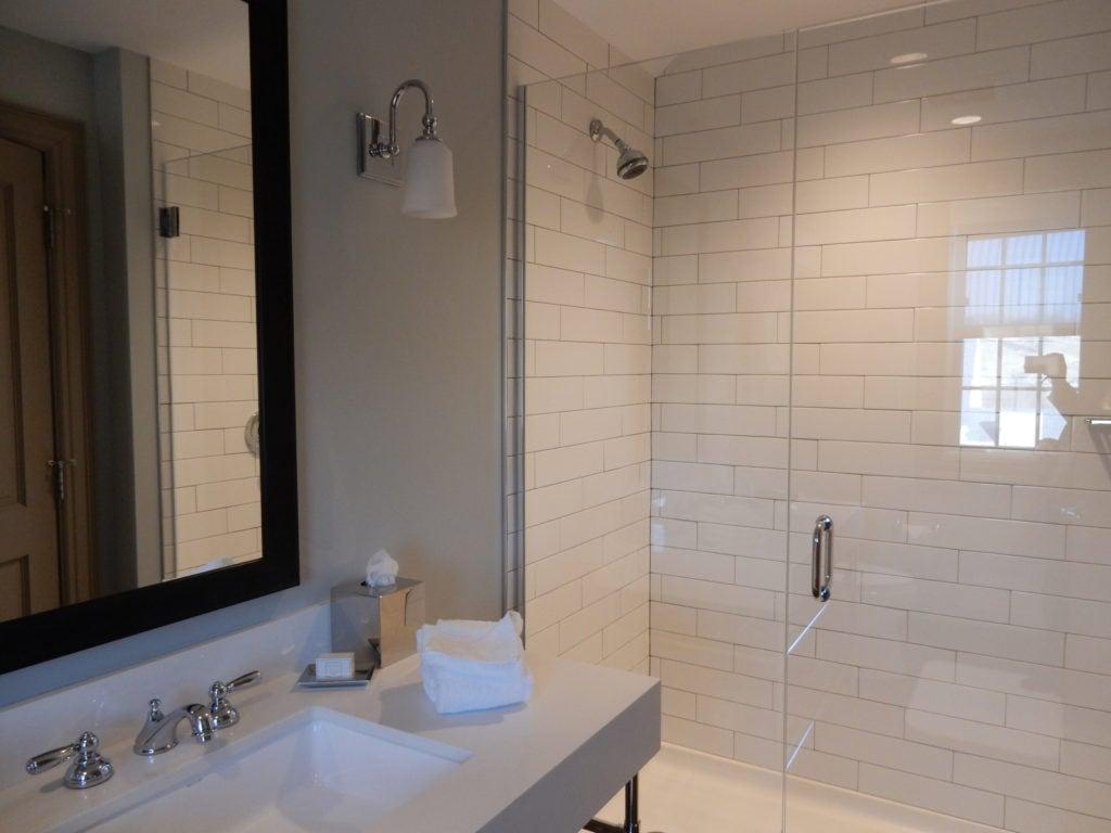 Bathroom Groton Inn MA