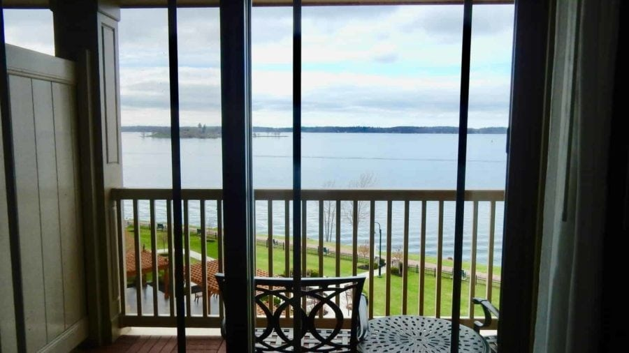 1000 Islands Harbor Hotel, Clayton NY: Overlooking the St. Lawrence Seaway