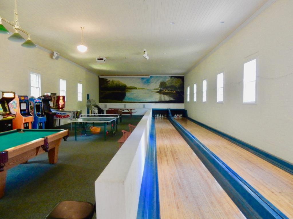 Bowling Arcade Inn at Diamond Cove ME