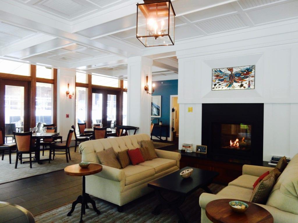 Lobby Inn at Diamond Cove ME
