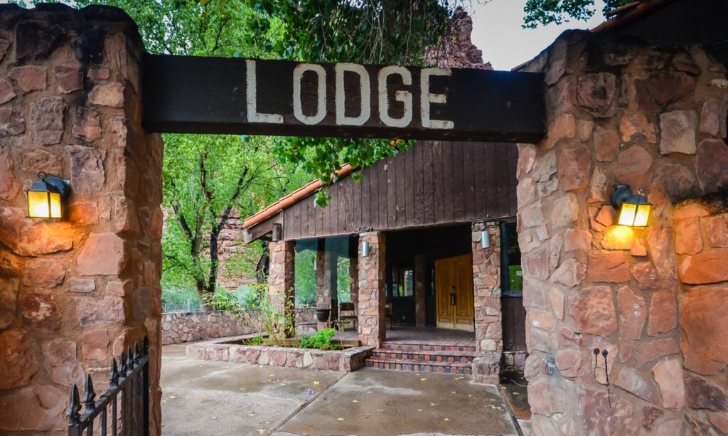 Entrance to Supai Lodge.