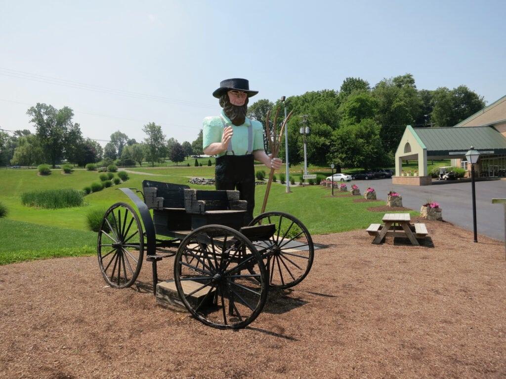Amos-Giant-Amish-Man-Ronks-PA