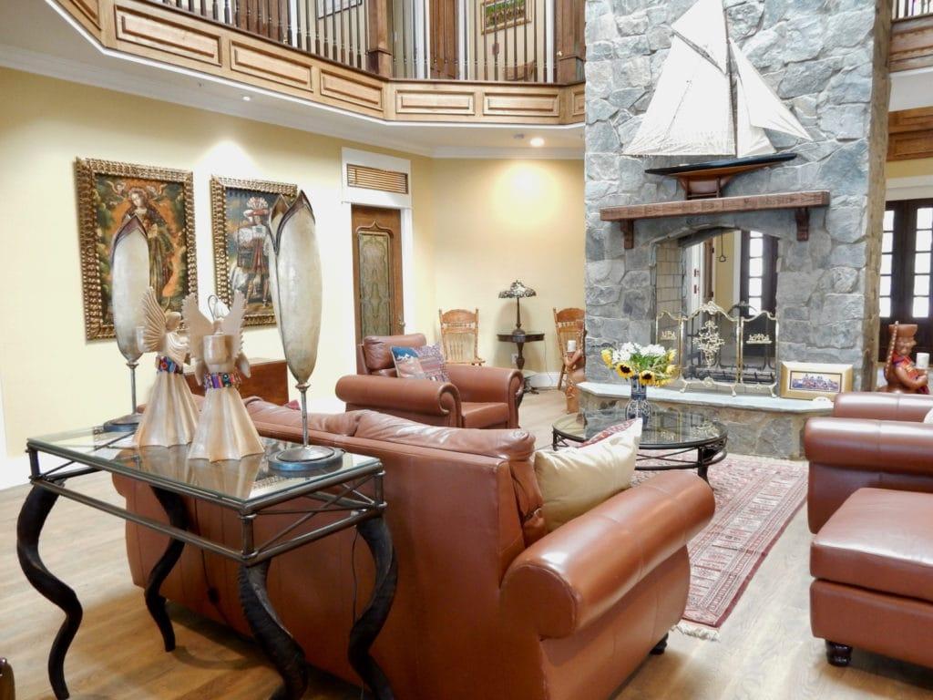 Living Room Swanendele Inn St Marys county MD