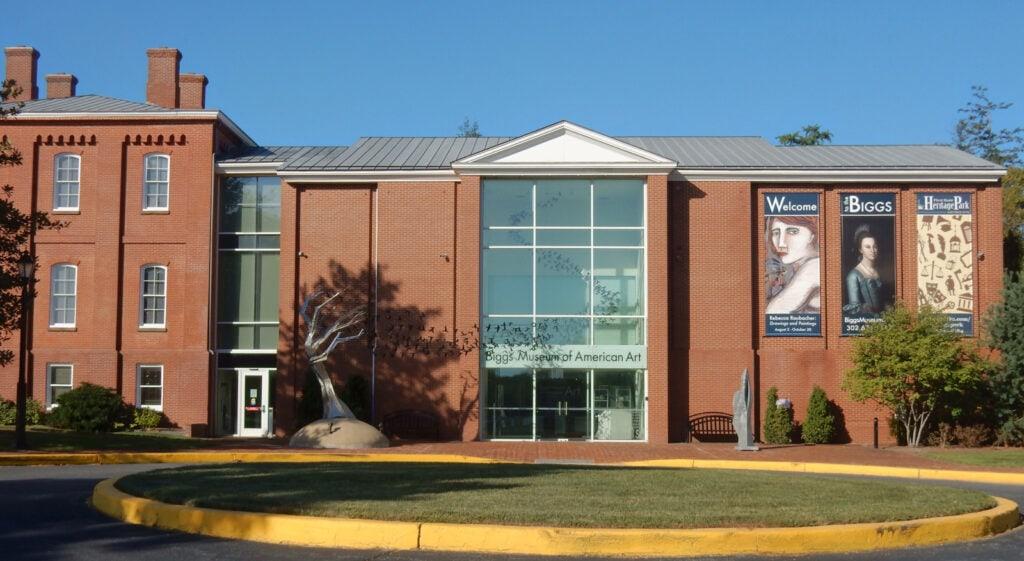 Exterior shot of Biggs Museum of American Art Dover DE
