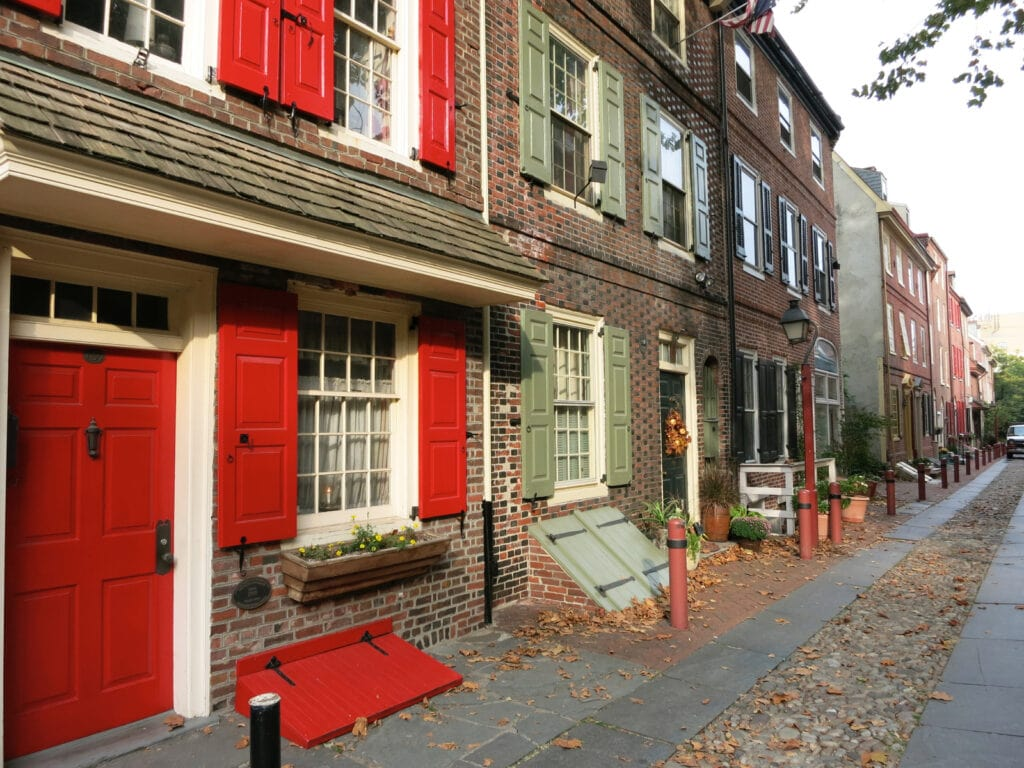 Philly's oldest residential street Elfreths Alley Homes Philadelphia PA