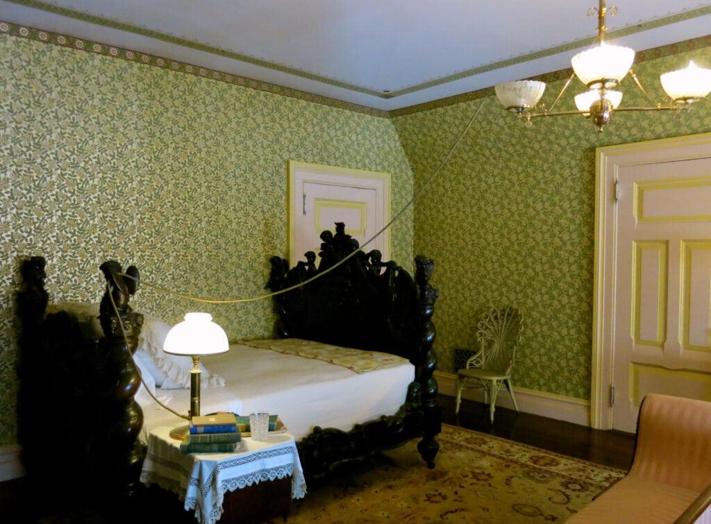 Mark Twain Bedroom Hartford CT