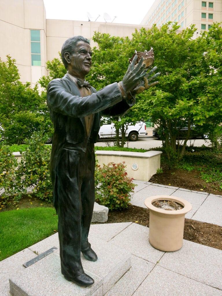 Statue of Bert Parks Atlantic City NJ