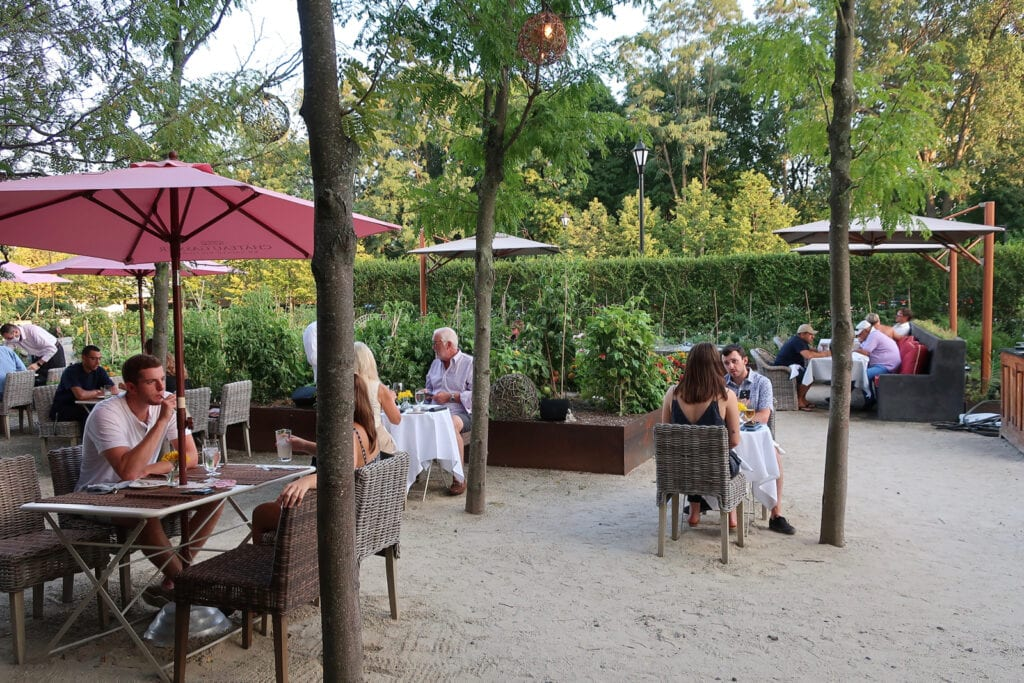 Artisan Restaurant garden W Hartford CT