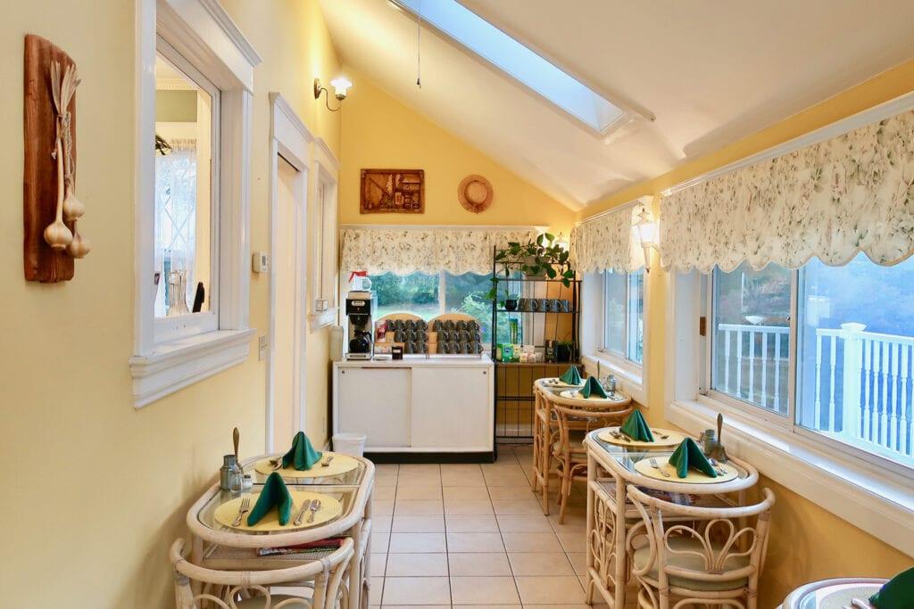 Friendly-City-BnB-Breakfast-Room-Harrisonburg-VA