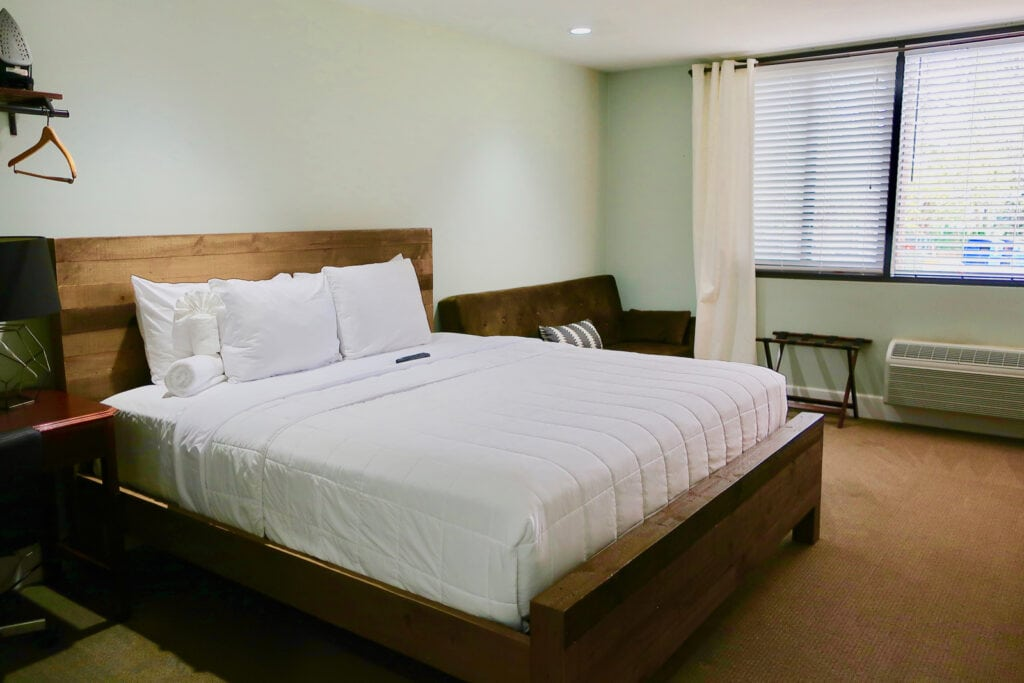 Guest-Room-Allenberry-Resort-PA