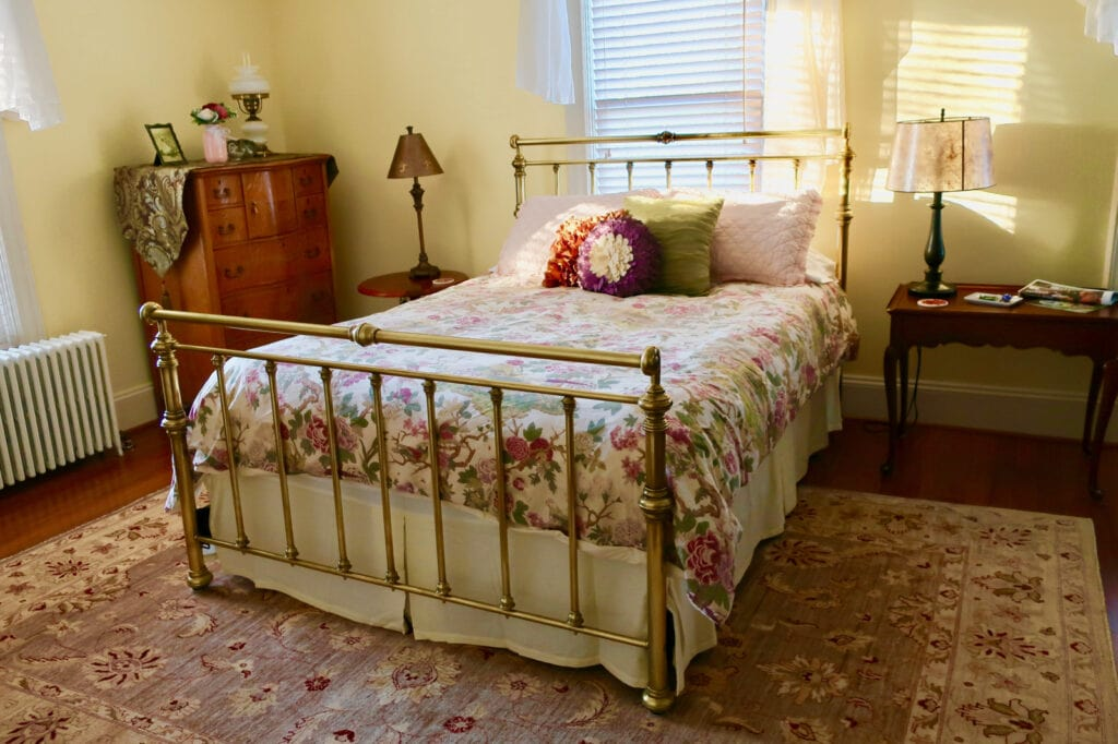 Hopewell-House-Bike-Bed-Century-Room-Strasburg-VA