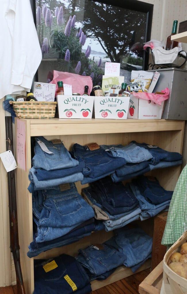 Levi-jeans-jon-henry-store-new-market-va