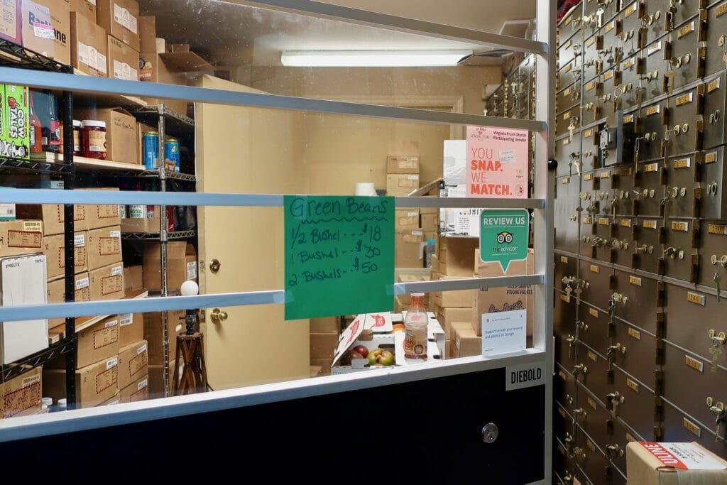 Pickle-vault-jon-henry-store-new-market-va