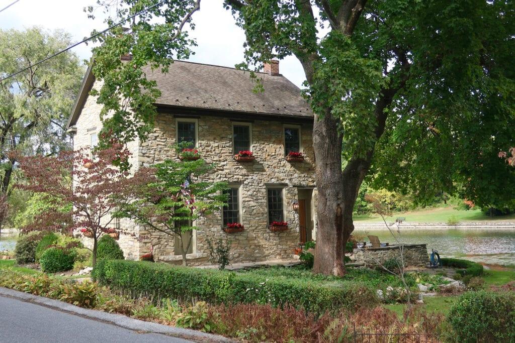 Stone-Lake-Home-Boiling-Springs-PA