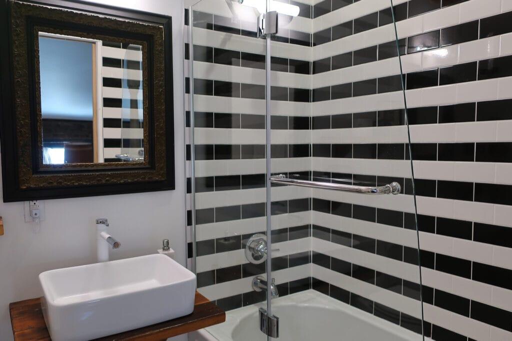 Forsyth-B-B-Bathroom-Kingston-N