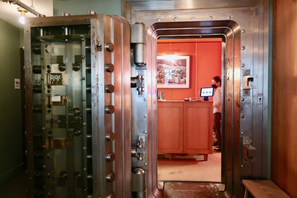 Kinsley-Hotel-Bank-Vault-Reception-Kingston-NY