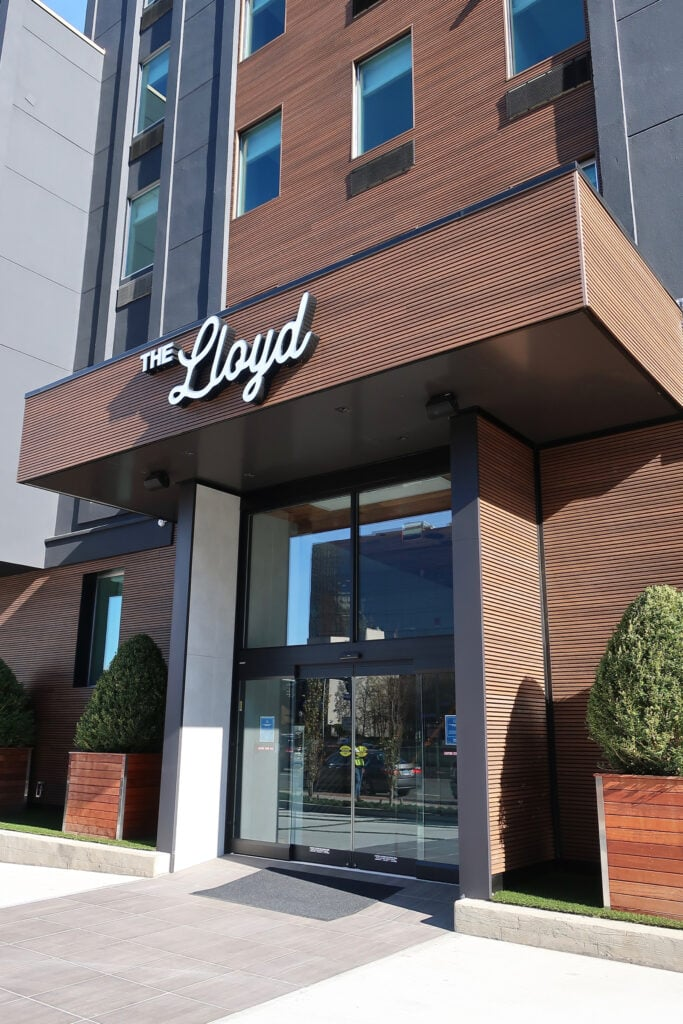 Lloyd-Hotel-sign-Stamford-CT
