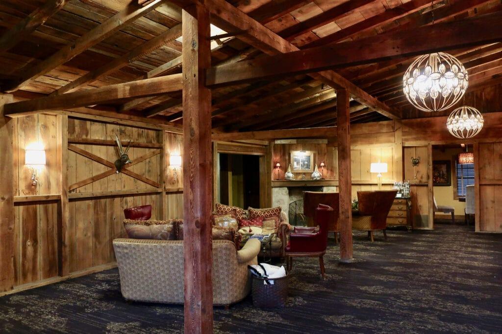 Lobby-Inn-At-Leola-Village-PA