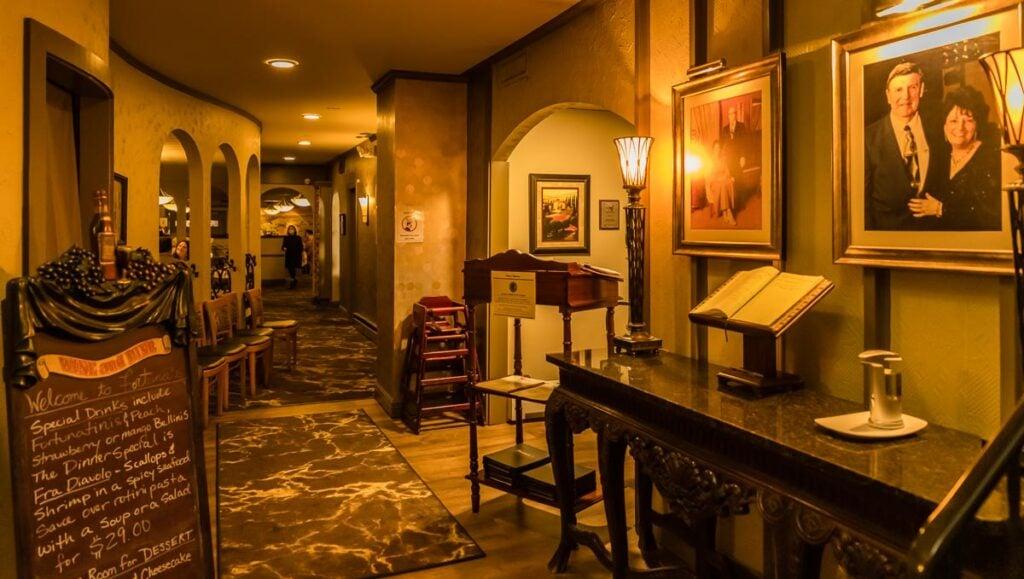 Fortunas Restaurant Interior in Niagara Falls NY