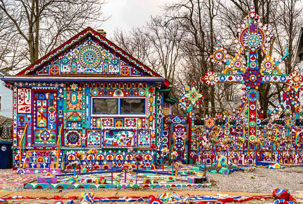 Colorful roadside attraction--Prophet Isaiah House--in Niagara Falls NY