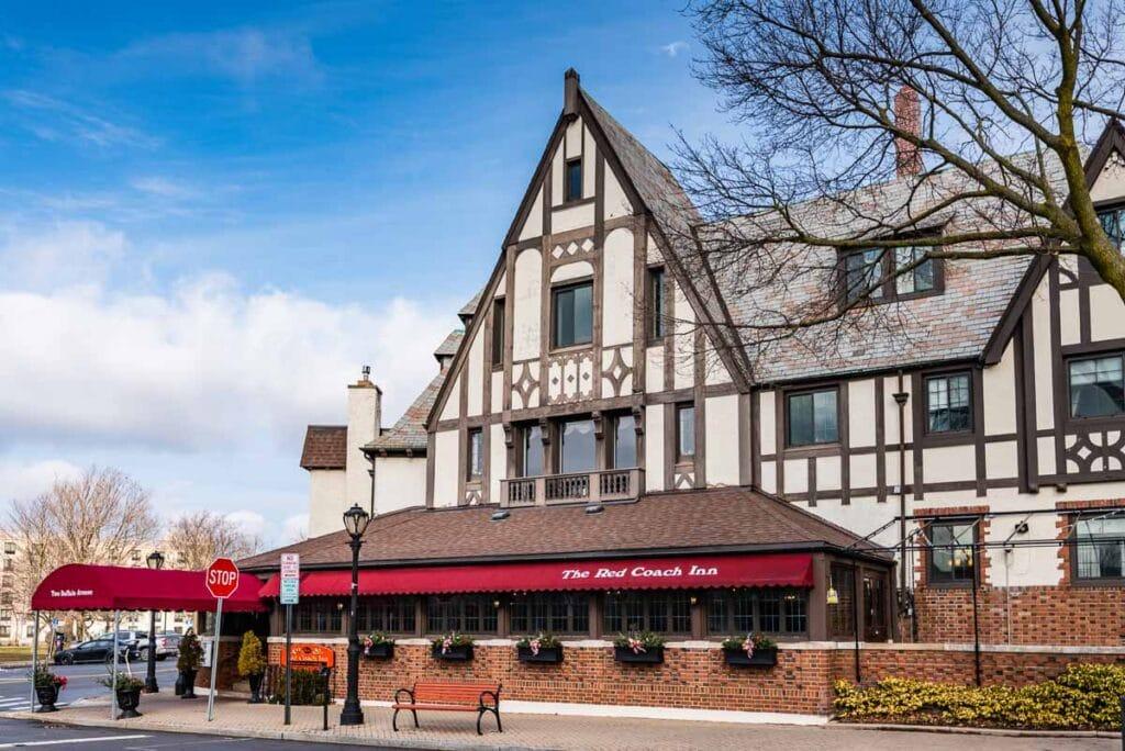 Red Coach Inn - Niagara Falls NY