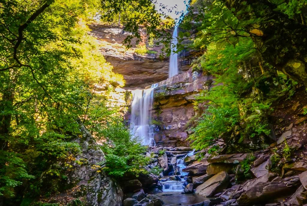 Horizontal view of Kaaterskill Falls.