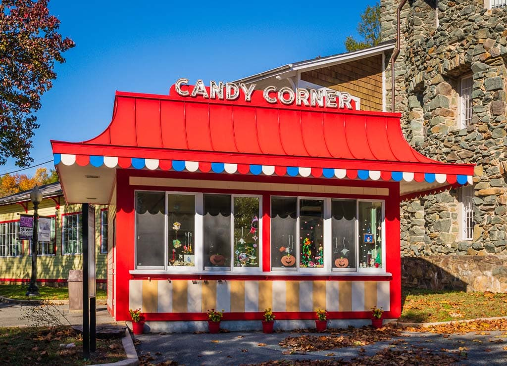 Candy Corner kiosk at Glen Echo Park.