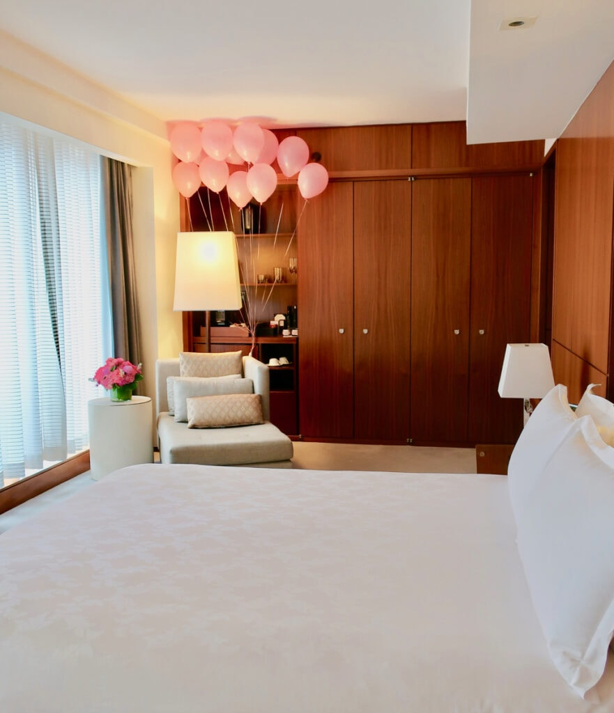 Langham Hotel Deluxe King With Celebrate The Everyday Balloons