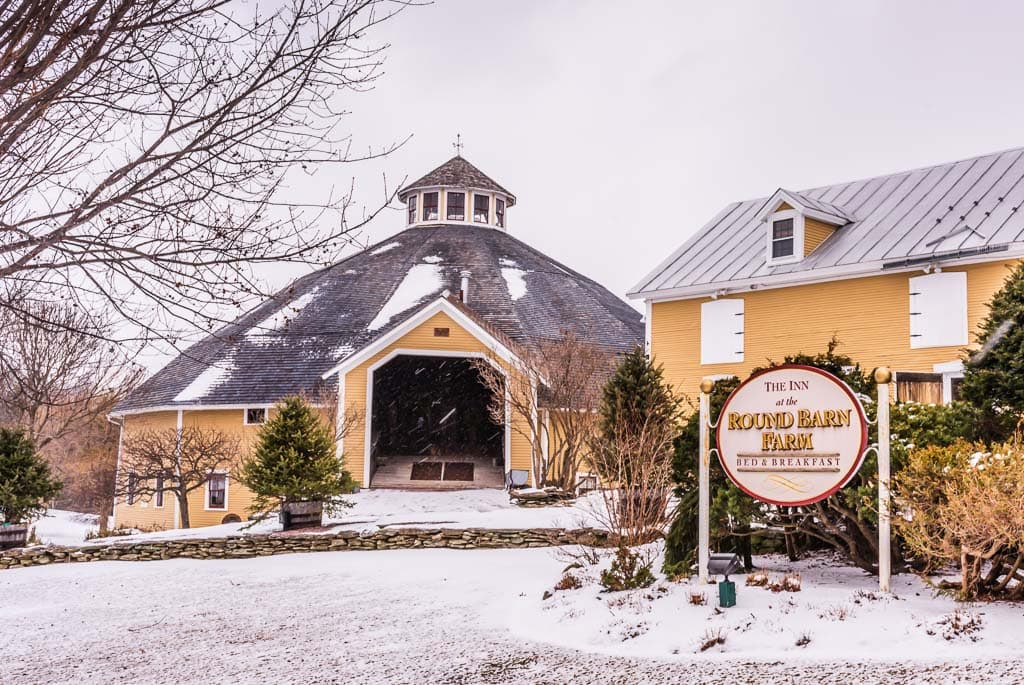 Round Barn Farm Inn with winter snow