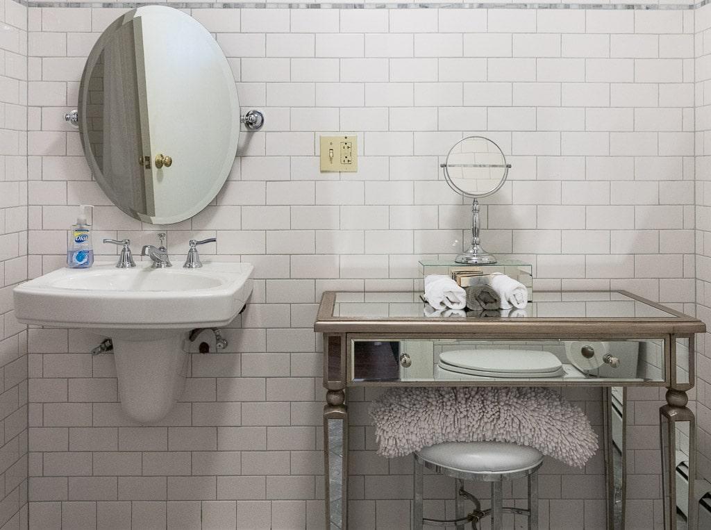 Bathroom Jean Harlow Room Gardner Farm Inn Troy