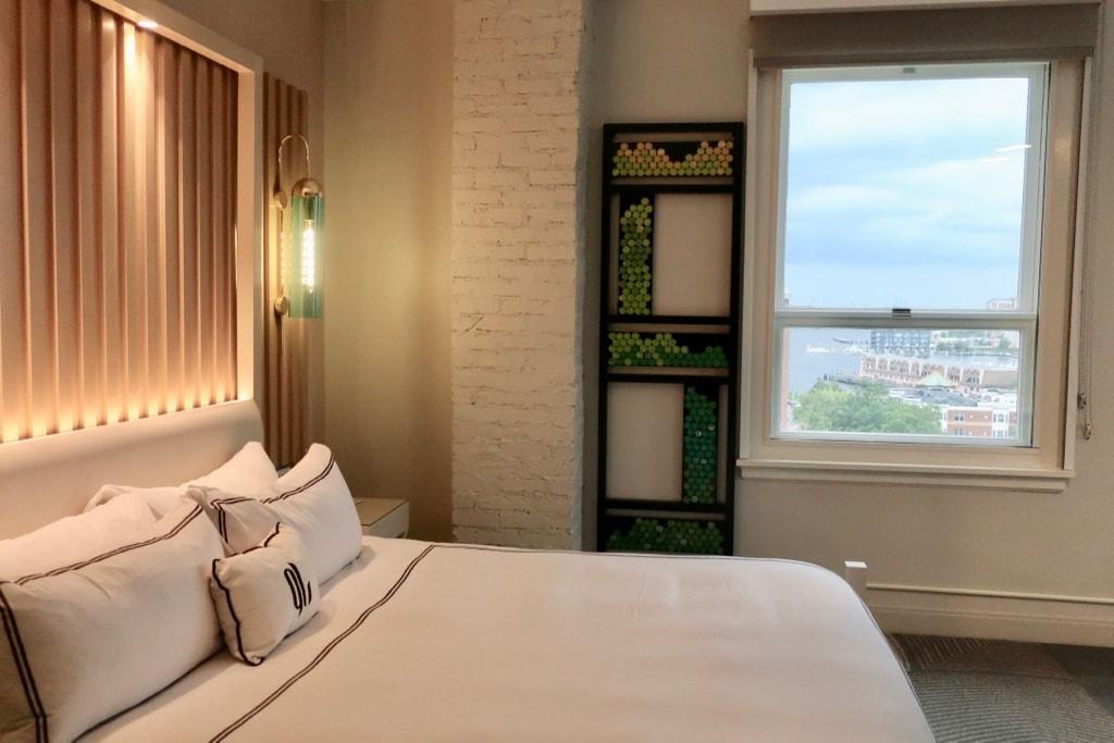 Guest Room Glass Light Hotel Norfolk