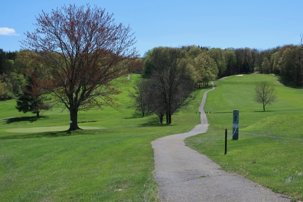 Park trails by Public Golf Course Utica NY