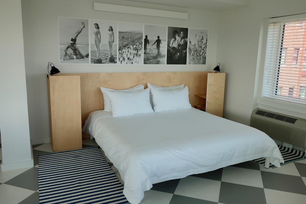 Asbury Hotel dreamy sinkable bed