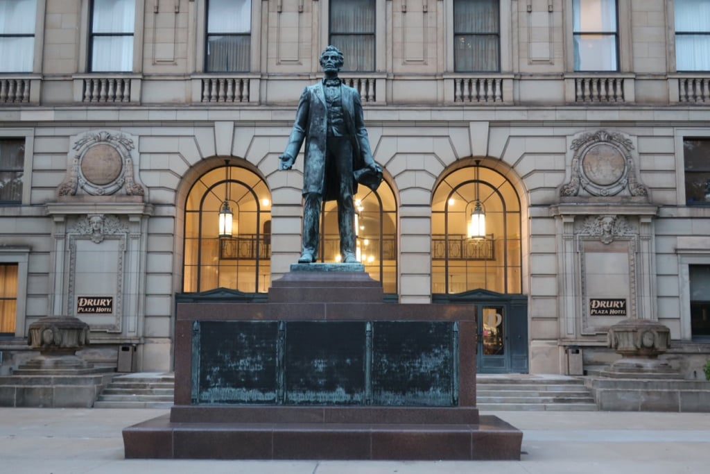 Drury Plaza Hotel Abe Lincoln Statue Cleveland OH