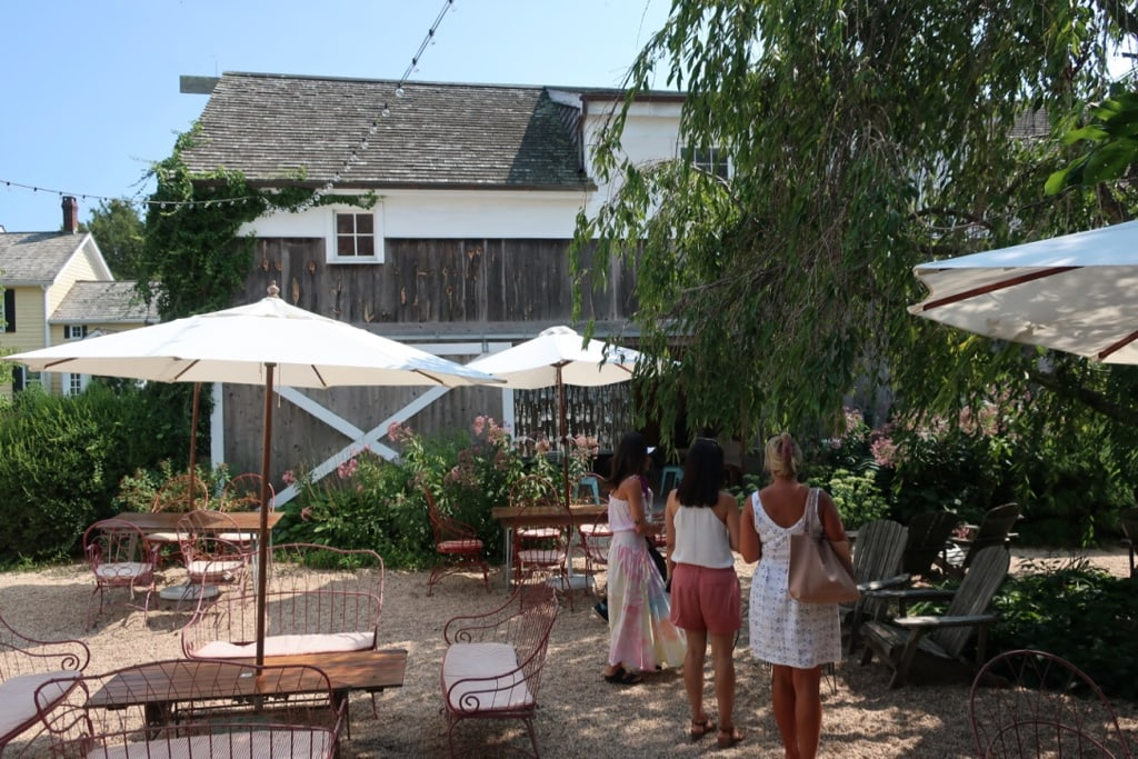 Croteaux Vineyards tasting room Southold NY