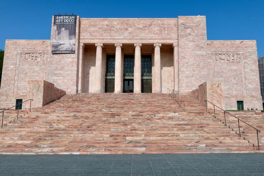 Exterior of pink marble Joslyn Museum Omaha NE