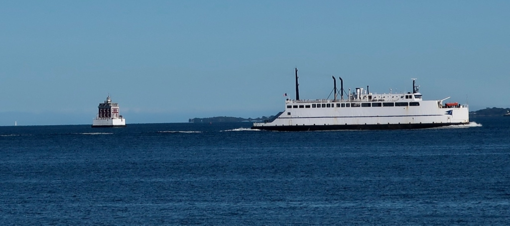 New London CT Ferry roaring out of harbor